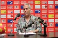 مهران مدیری در نقش مربی فوتبال