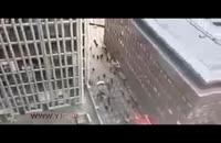 فرار مردم پس از برخورد کامیون