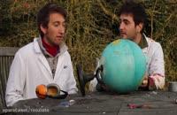 صحنه آهسته انفجار کره زمین رومیزی